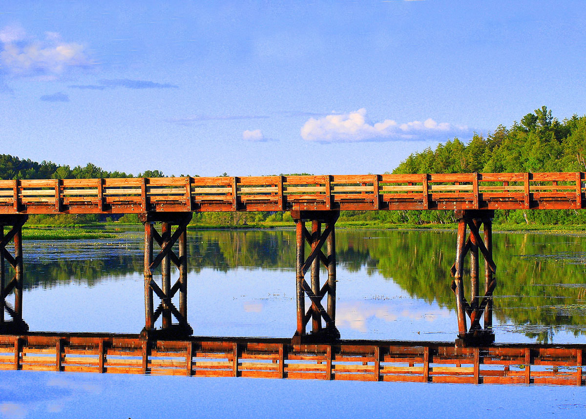 Minocqua Pontoon Cruises, bridge on Lake Minocqua